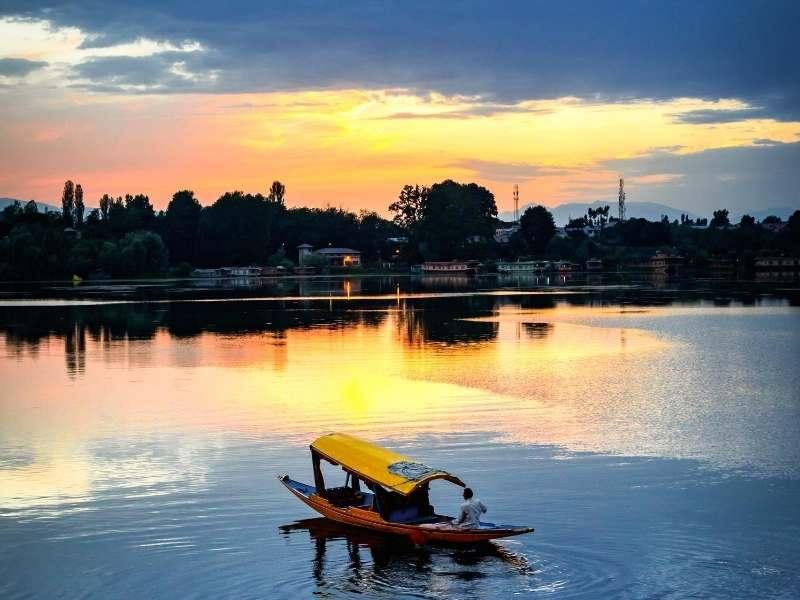 Shikara Ride in Dal Lake, Srinagar - Kashmir